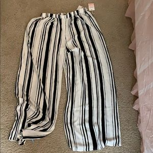 Forever 21 Flowy Pants Never worn